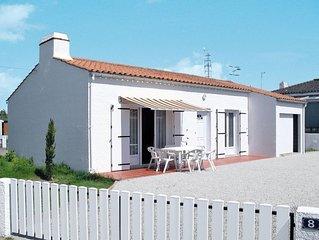 Vacation home in La Tranche - sur - Mer, Vendee - 5 persons, 2 bedrooms