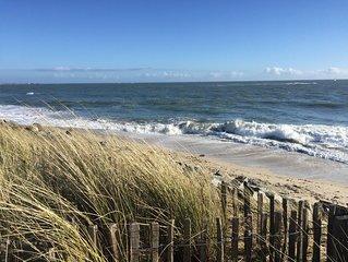 Proximité immédiate du parc de Kerguelen et d'une superbe plage de sable blanc