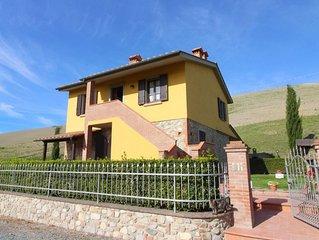 Villa per 8 persone, panoramica, tranquilla e ideale per visitare la Toscana e l
