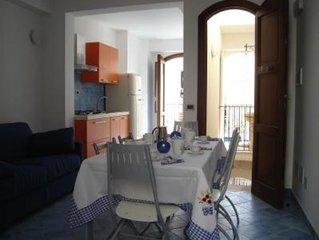 Appartamento ristrutturato e ben rifinito, situato nel centro storico di Favigna