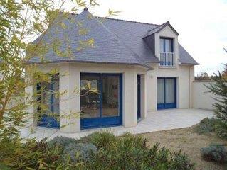 Maison en bord de mer avec jardin clos . Wifi .