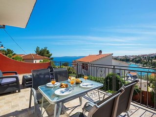 Villa near Trogir and Split close to a sandy beach