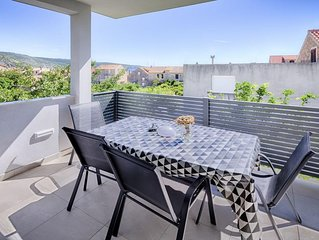 One bedroom apartment with terrace Komiža (Vis) (A-1151-e)