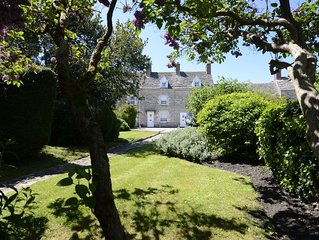 Character stone cottage walking distance from the World Heritage Jurassic Coast