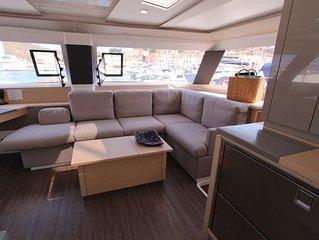 Island-Hop Aboard Luxury Catamaran Allende - Personal Chef, All-inclusive