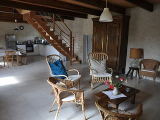 Maison traditionnellle entièrement rénovée, indépendante, pour 6 personnes
