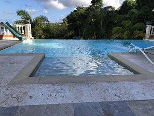 Jolie maison avec piscine and vue mer