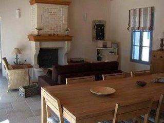 Maison de style typiquement noirmoutrin a l'oree du bois de la chaise