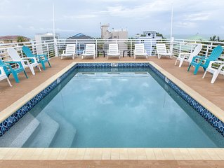 6 Bedrooms - Sleeps 18!  Enjoy Sunsets from the Spectacular Roof Top Pool!