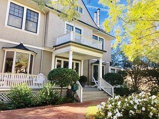 Charming 8 bedrooms,8.5 bths De La Vin Inn, Dwtn SB