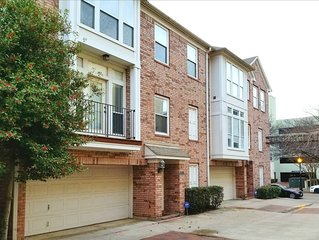 Charming Uptown Retreat - Stay In The Heart Of Dallas!!!