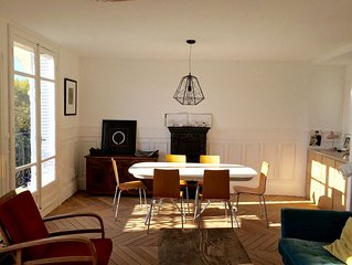 SUNNY AND LARGE APARTMENT IN PARIS