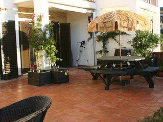 GRIFEU 4 Apartamento planta baja con piscina y terraza en Grifeu.