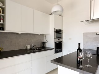 Amazing apartment near Mahane Yehuda with a big Succa