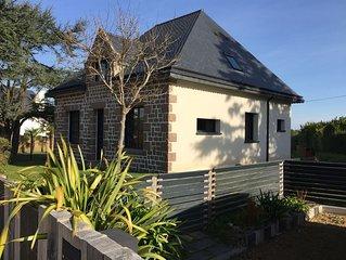 Maison typique renovee 2 terrasses et jardin clos