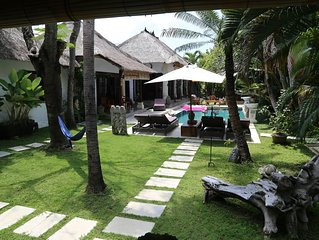 Villa Seminyak Bali proche de la mer avec majordome et service ménager