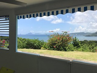 Appart. F3 de standing en rez de jardin avec vue exceptionnelle sur mer