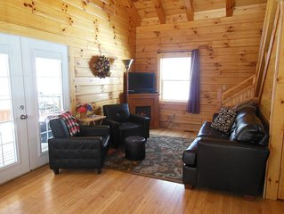 Hocking Hills Secluded 2 Bedroom Cabin Pet Friendly - 4 miles to Old Mans Cave