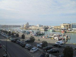 Appartement 42m2 Centre ville-Vue imprenable sur le port de peche -Pour 2-4 pers