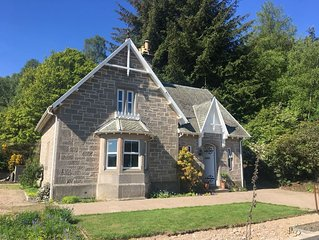 Speyside|Central|Large Cottage|within 35 minutes of visiting 12 distilleries