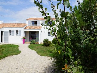 VILLA  NOIRMOUTIER WIFI, 400M PLAGE 100 M FORET, VELOS A DISPOSITION