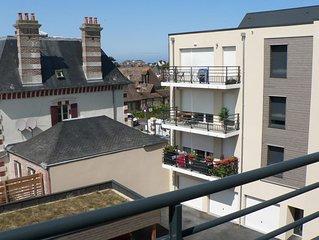 Confortable appartement avec wifi, TV, Balcon, parking, 2 ch, 1 SB, 4 pers, 57m2