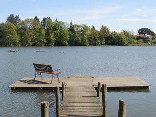 Gîte Kierkegaard. Accès direct Lac de Rochereau.  Proche Puy du Fou