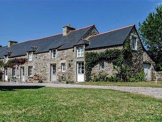 Belle longère familiale. Bretagne (Cap Frehel) 5 chambres, 12 couchages.