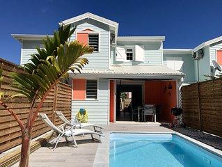 Maison neuve pour 4 pers, piscine privée, plage et commerces à 800m
