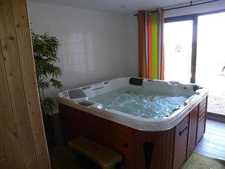 Maison bois neuve avec spa, sauna a LOCQUIREC(29), au calme a 800 m de la plage
