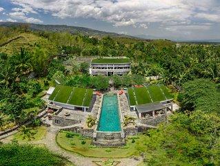 Luxury private Villa 5 b/rooms, peaceful, exclusive location near Dolphin beach