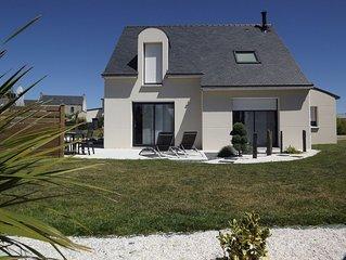 Maison ideale famille/amis a 200m de la plage