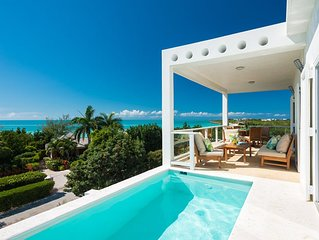 Villa Blanca : Amazing Ocean Views and Steps to Secluded Taylor Bay Beach