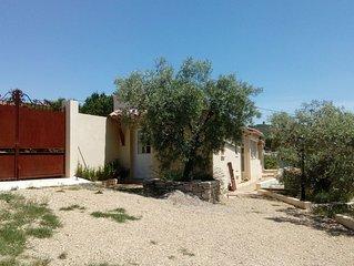 Splendide maisonnette dans les oliviers