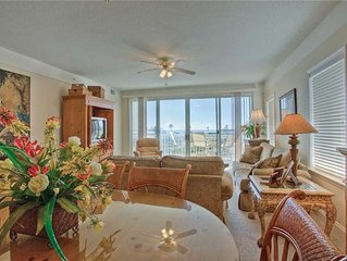 Great Oceanfront Condominium!Ocean Views, Beach Access and Pool