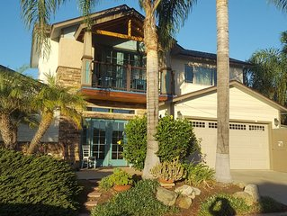 Artist Retreat 3 bed 2 bath Pool Home Close to All