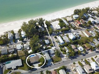 Ground Floor Condo, Three Houses from the Beach with Large Heated Pool