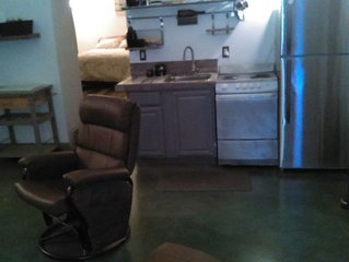 Clen & Contemporary 1 bedroom Apt. OTR/Brewery District/Findly Market