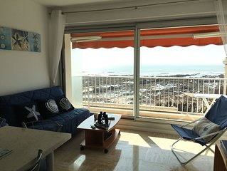 3 personnes, balcon face mer, vue splendide, wifi, parking