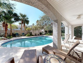 Private pool short walk to one of the best beaches on Saint Simons Island.
