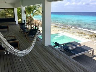 Oceanfront Luxury Beach House with impressive view, private beach and pool!