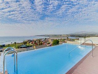 Elegante depto con balcon y vista al mar - Elegant Apt. w/balcony & sea view