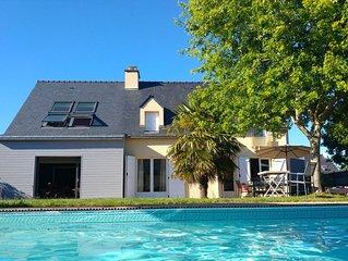 Maison Sarzeau 10 personnes, 5  chambres , piscine privée,chauffée et couverte