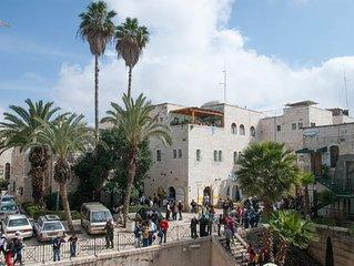 STUDIO A LOUER DANS LA VIELLE VILLE DE JERUSALEM PRES DU MUR DES LAMENTATIONS