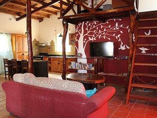Pedasi large 2 bedroom 2 bath with loft, sleeps 8