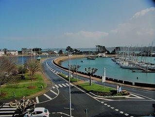Bel appartement avec Terrasse , au port , vue mer,  classé 3* WIFI