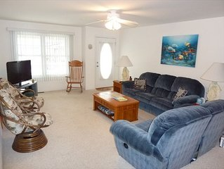 4 BR/3 Bath Condo with 2 Master BR'S 1.5 Blocks to Beach in Wildwood