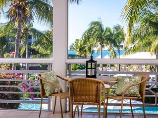 Private second floor OCEANVIEW in the heart of Grace Bay Beach