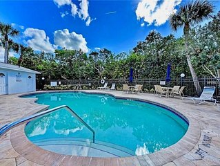 Comfortable family-friendly condo close to everything on Anna Maria.