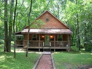 Blue Rose Cabins - Oleander Cabin - Log Cabin in the woods of Hocking Hills